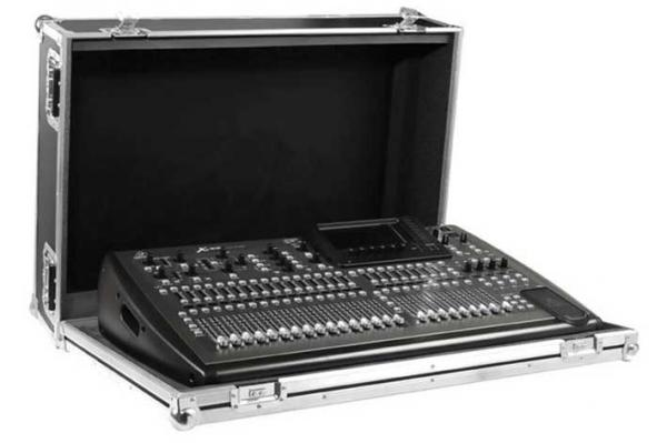 Flight table de mixage Behringer CMX32 Custom Flightcase