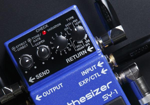 Pédale chorus / flanger / phaser / modul. / trem. Boss SY-1 Synthesizer