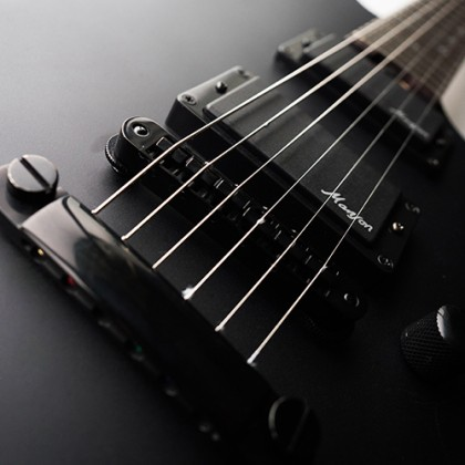 Guitare électrique solid body Cort M-Jet Manson Stage - matt black