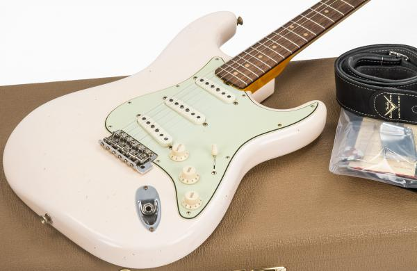 Guitare électrique solid body Fender Custom Shop 1959 Stratocaster Ltd #CZ541136 - journeyman relic faded aged shell pink