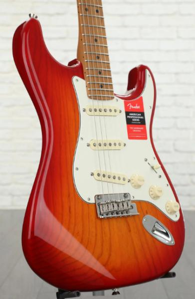 Guitare électrique solid body Fender Ash American Professional Stratocaster Ltd 2019 (USA, MN) - aged cherry burst