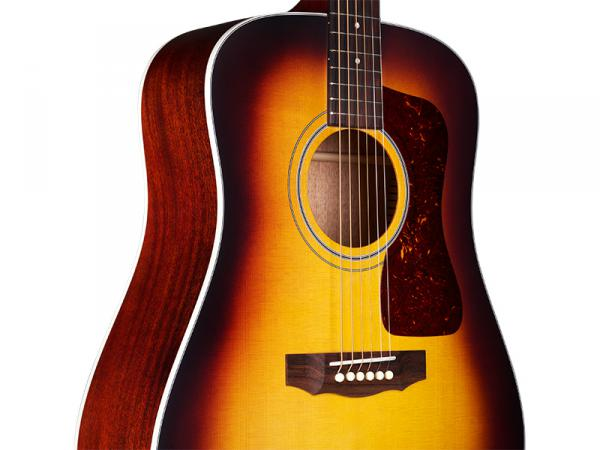 Guitare folk Guild D-40 USA - antique sunburst
