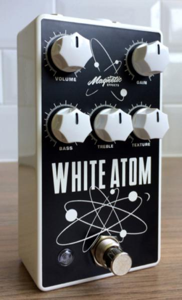 Pédale overdrive / distortion / fuzz Magnetic effects White Atom V3 Silicon/Germanium Fuzz