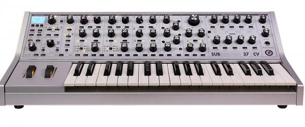 Synthétiseur Moog Subsequent 37 CV