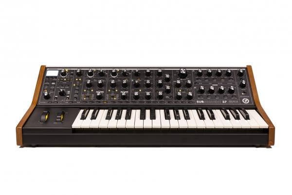 Synthétiseur Moog Subsequent 37