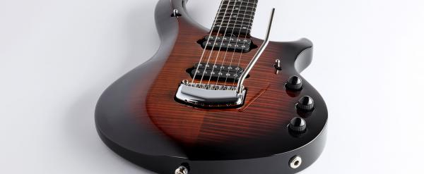 Guitare électrique solid body Music man John Petrucci Majesty 2019 - tiger eye