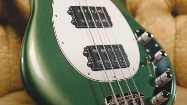 Basse électrique solid body Music man Stingray Special 2019 (HH, MN) - charging green