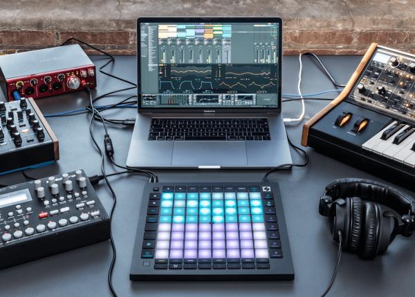 contrôleur launchpad novation, home studio, pad tactile launchpad