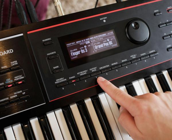 Synthétiseur Roland JUNO-DS 76
