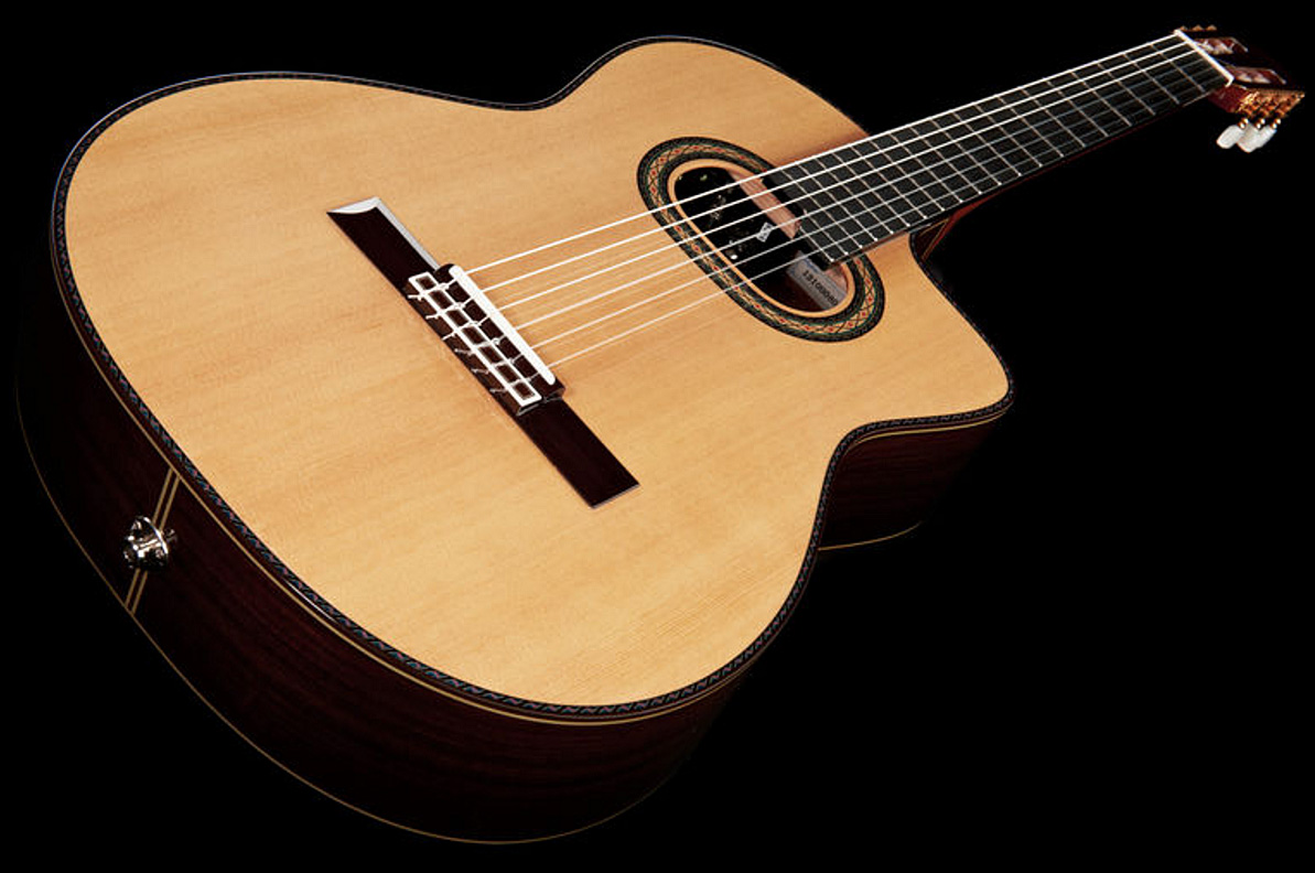 guitare classique format 4 4 takamine th90 hirade japan natural gloss star 39 s music. Black Bedroom Furniture Sets. Home Design Ideas