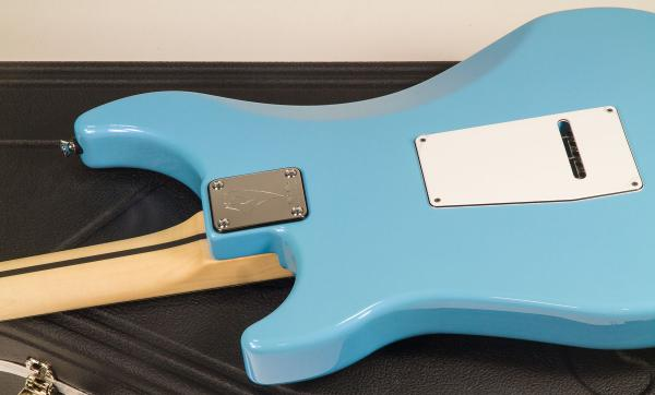 Guitare électrique solid body Vigier                         Expert Classic Rock (Trem, MN) - normandie blue