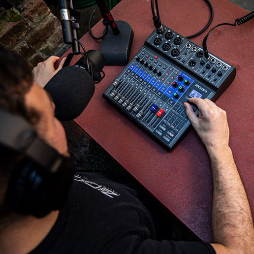 Table de mixage analogique Zoom Podcasting pack